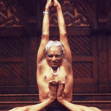 BKS-iyengar-photo